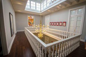 Casa Republica Barranco interior hall with chandelier